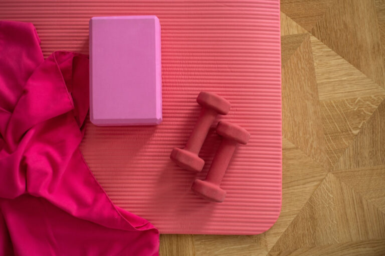 Få mere bevægelighed med en yogamåtte - 3 gode tips